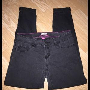 YMI Jean ANKLET LEGGING Size 9 (Juniors)
